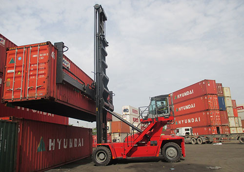 dịch vụ xe nâng hàng tại cảng nam ninh